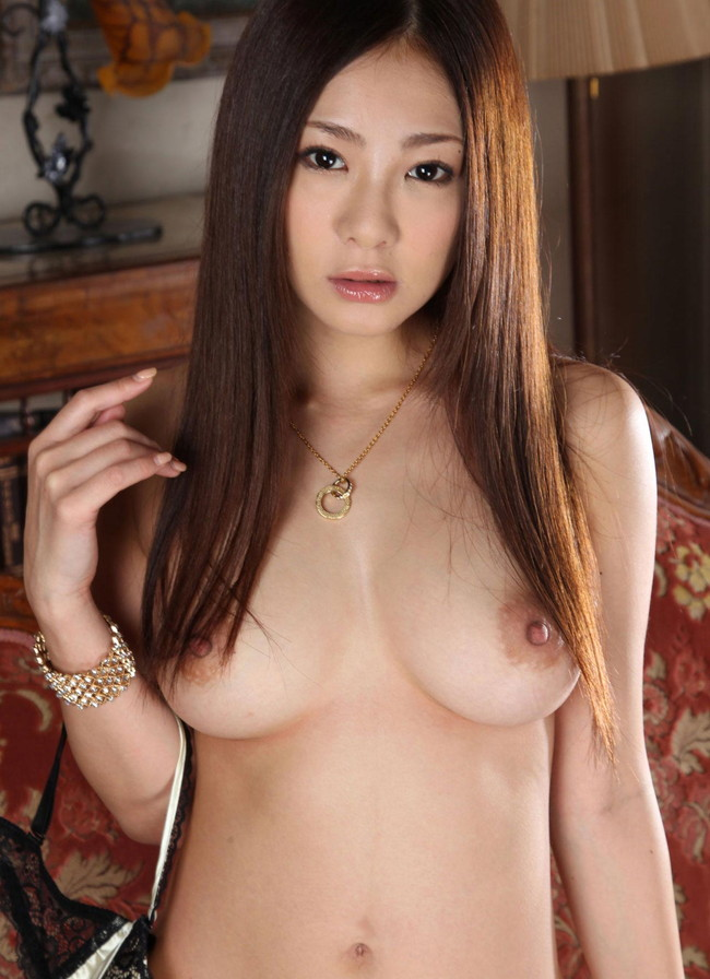 【おっぱい】Hカップの爆乳が魅力的なAV女優初音みのりのエロ画像!【30枚】 30
