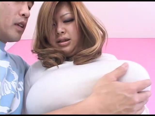 【おっぱい】ぽっちゃりとした肉体がたまらんAV女優和希エリのエロ画像!【30枚】 26