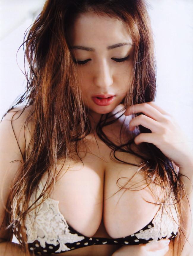 【おっぱい】ぽっちゃりアイドルの先駆け!滝沢乃南の微エロ画像!【30枚】 19