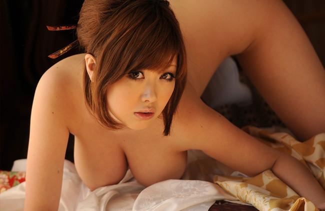 【おっぱい】人気巨乳AV女優浜崎りおのエロ画像!【30枚】 17