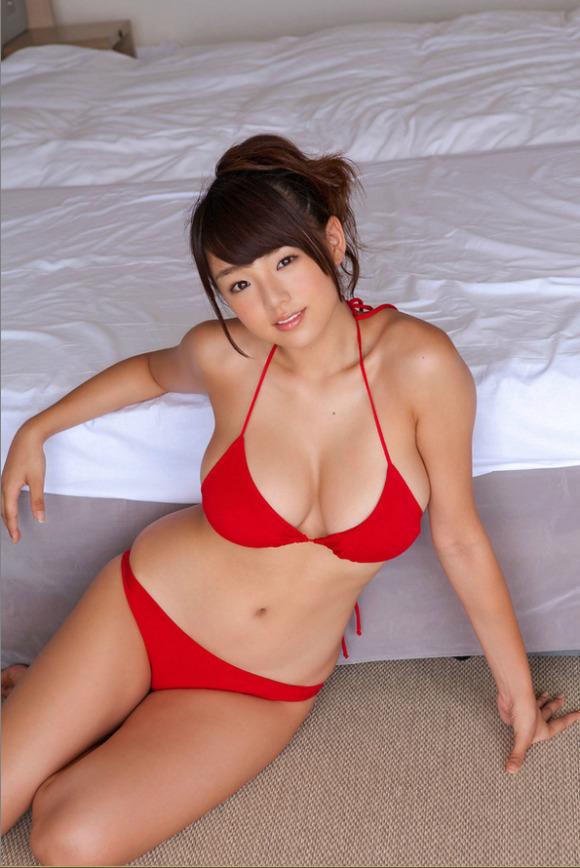 【おっぱい】元子役のグラビアアイドル片岡沙耶の微エロ画像【30枚】 06