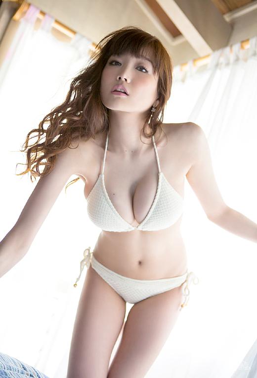 【おっぱい】おっぱいもルックスも魅力的な佐藤江梨子の微エロ画像!【30枚】 01