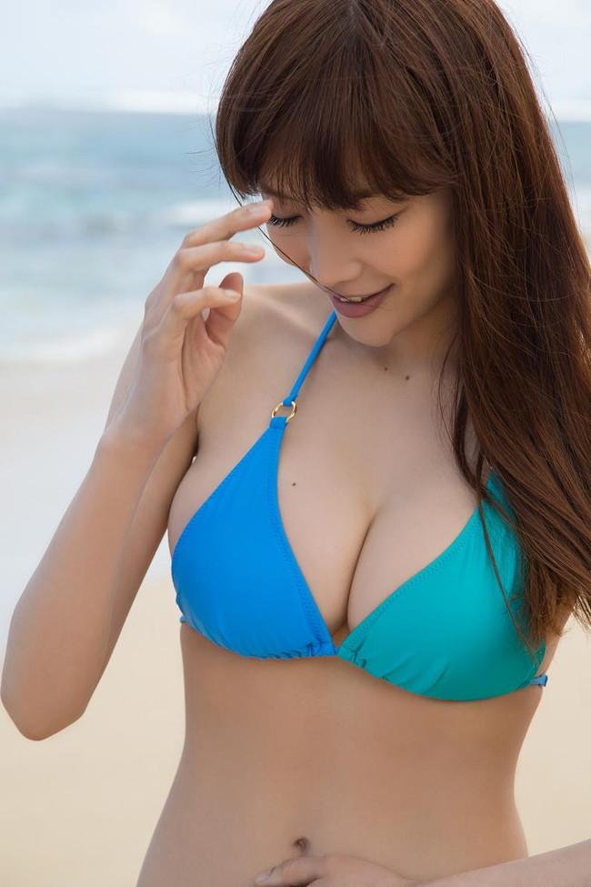 【おっぱい】おっぱいもルックスも魅力的な佐藤江梨子の微エロ画像!【30枚】 03