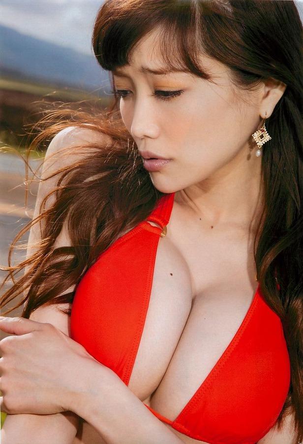 【おっぱい】おっぱいもルックスも魅力的な佐藤江梨子の微エロ画像!【30枚】 18