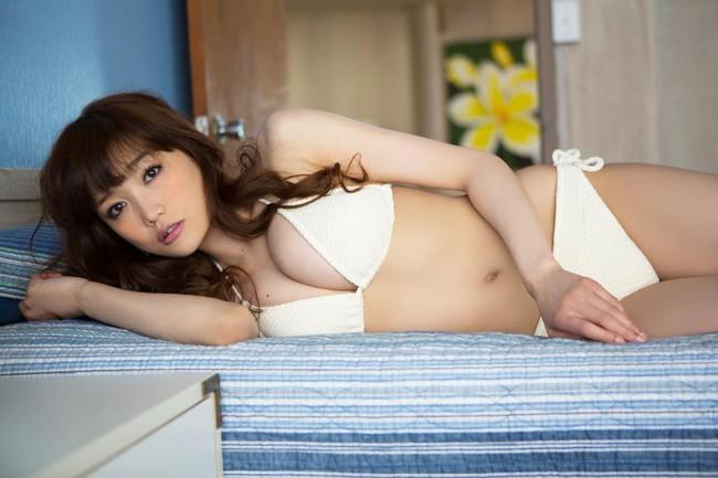 【おっぱい】おっぱいもルックスも魅力的な佐藤江梨子の微エロ画像!【30枚】 24
