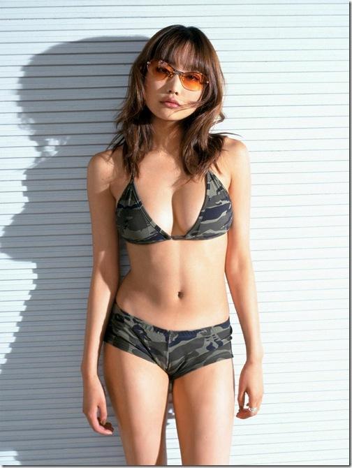 【おっぱい】おっぱいもルックスも魅力的な佐藤江梨子の微エロ画像!【30枚】 26