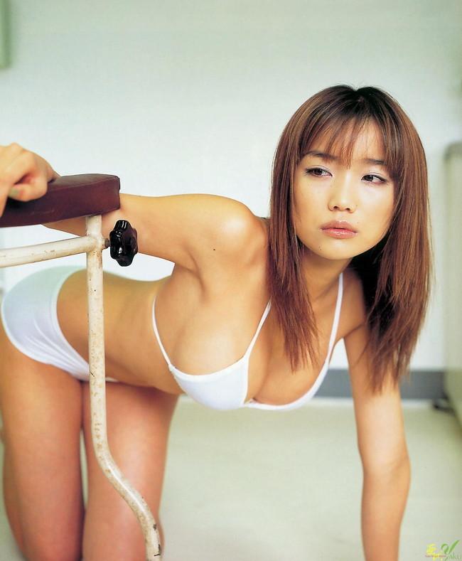 【おっぱい】おっぱいもルックスも魅力的な佐藤江梨子の微エロ画像!【30枚】 28
