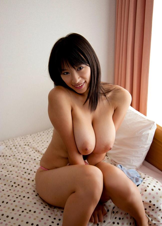 【おっぱい】大きいのに形が整っている美巨乳のエロ画像!【30枚】 14