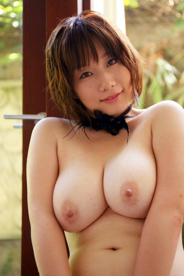 【おっぱい】肉付きがいいおかげでセクシーな雰囲気が出ているお姉さんのエロ画像【30枚】 03