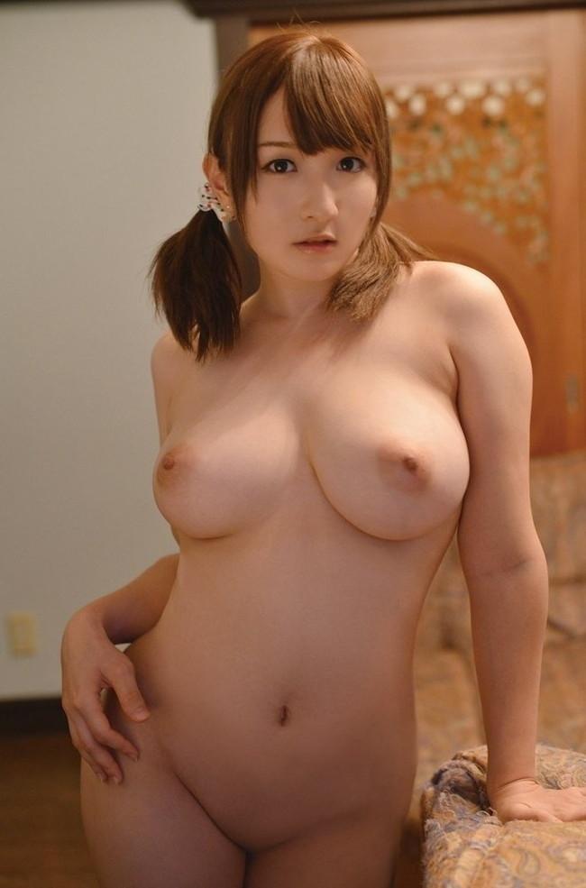 【おっぱい】肉付きがいいおかげでセクシーな雰囲気が出ているお姉さんのエロ画像【30枚】 10