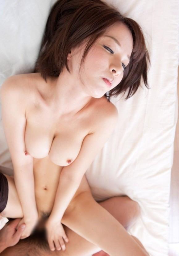 【おっぱい】躍動感を感じる巨乳美女がセックスをしているエロ画像【30枚】 29