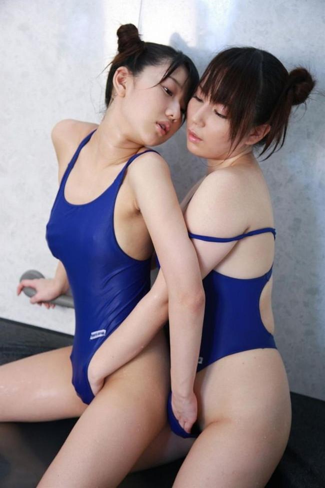 【おっぱい】女の子どうしておっぱいを弄ったりしているレズプレイのエロ画像【30枚】 20