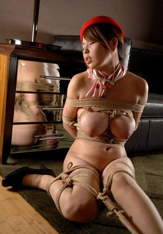 【おっぱい】荒縄などに縛られてしまいおっぱいが強調されているエロ画像【30枚】 25