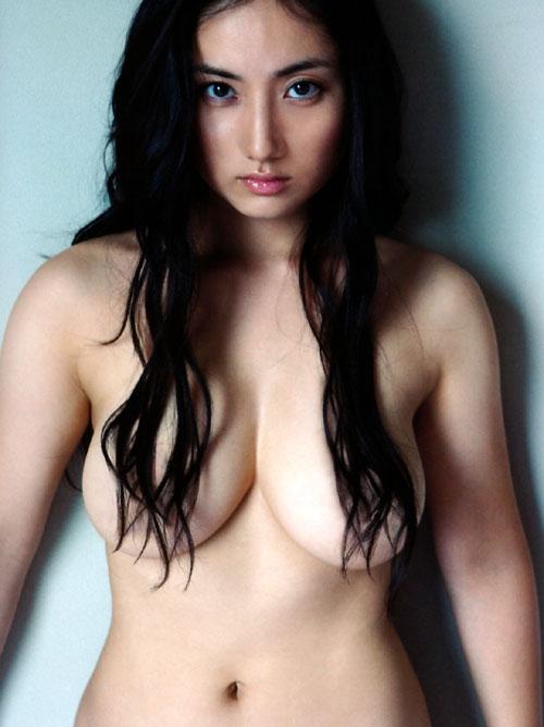 【おっぱい】女らしいロングヘアが美しいお姉さんのエロ画像【30枚】 27