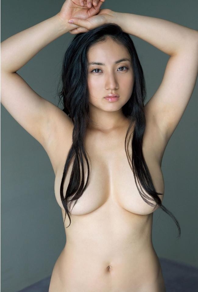 【おっぱい】女らしいロングヘアが美しいお姉さんのエロ画像【30枚】 29