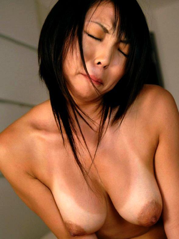 【おっぱい】日焼けした肉体が美しいお姉さんのエロ画像【30枚】 06