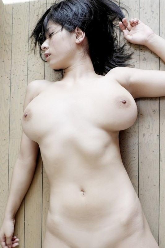 【おっぱい】雪のような白い肌が魅力的なお姉さんのエロ画像【30枚】 18